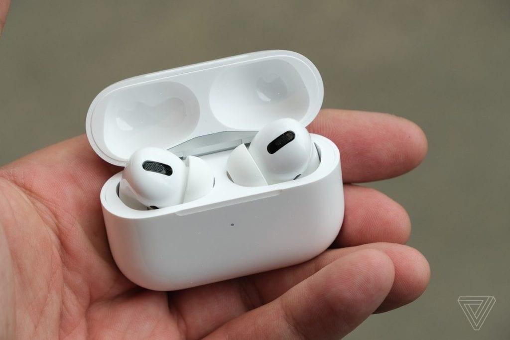 Apple Air Pods Pro 1024x683